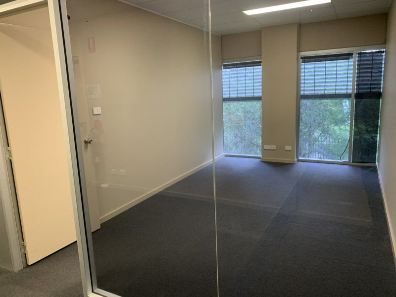 AMAZING OFFICE SPACE WITH EXTRA PARKING!!!