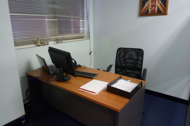 PREMIUM FITTED OFFICE CLOSE TO WORLD SQUARE AND COURTS