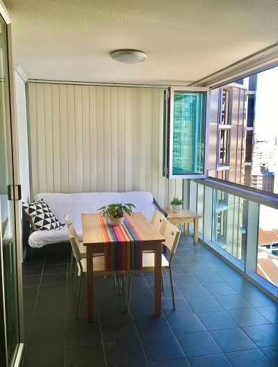 Large, homely, fully furnished CBD apartment - Can also be fully equipped