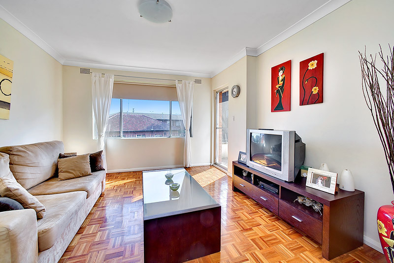 4/10 Hampstead Road, Homebush West