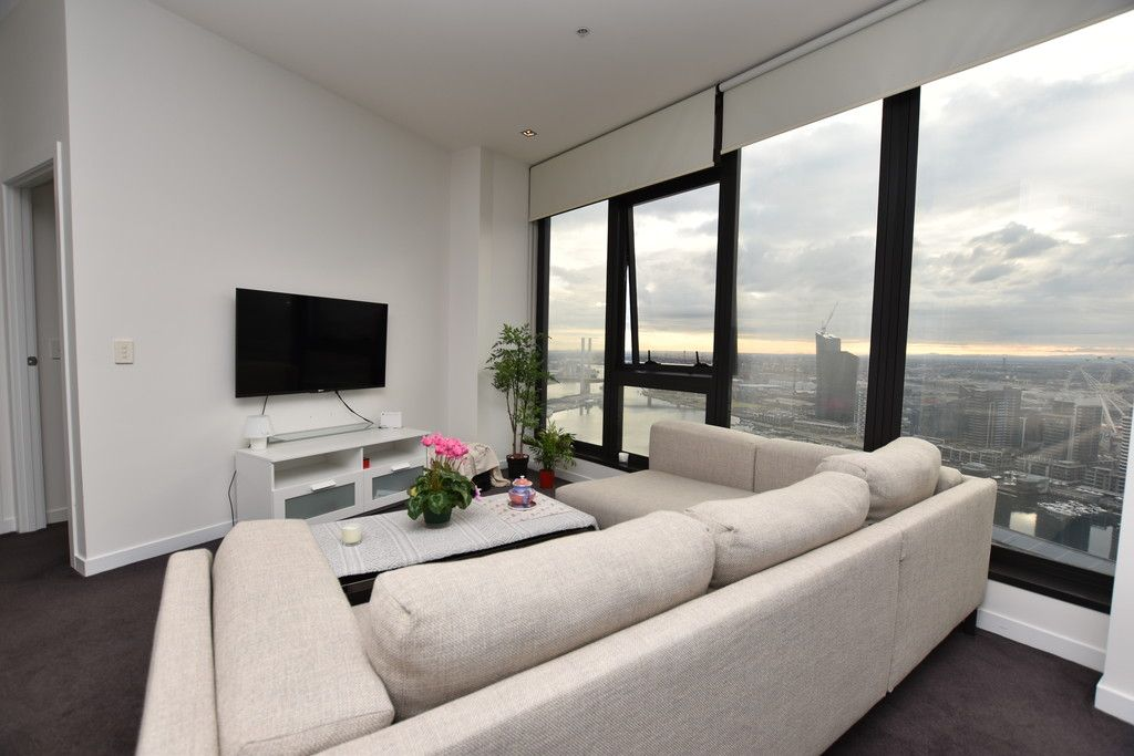 Victoria Point: Stunning FURNISHED Two Bedroom, Two Bathroom Apartment in Docklands!