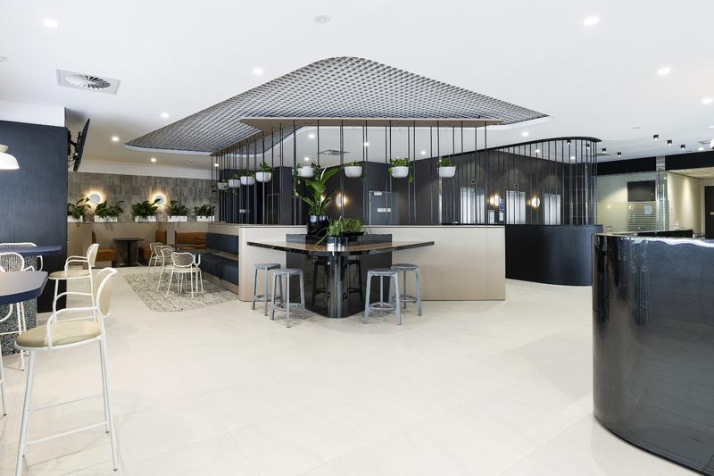 PROMINENT A-GRADE OFFICE BUILDING - EXTENSIVE REFURBISHMENT LATE 2020