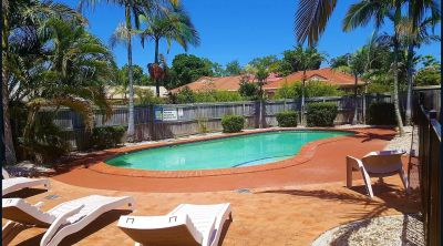 LIVE IN THE HEART OF CARSELDINE! VACANT!