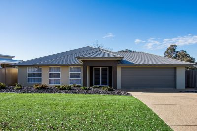 PRISTINE FAMILY HOME - IDEALLY LOCATED
