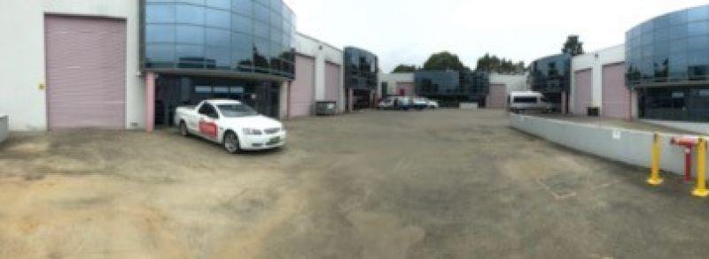 OUTSTANDING INDUSTRIAL UNIT IN EXCELLENT ESTATE