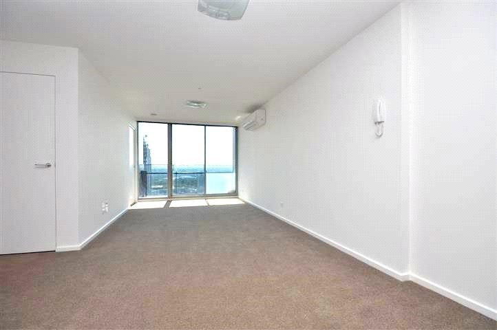 Mainpoint: 32nd Floor - Don't Miss Out This Gorgeous Property!