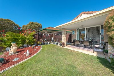 Large 3 Bedroom Duplex Set in Picturesque Garden Setting
