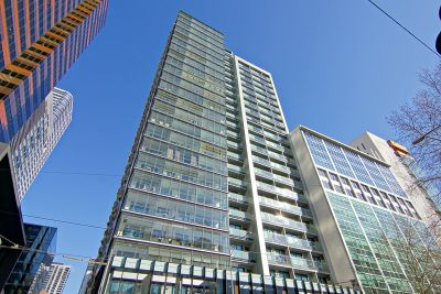 Stunning Furnished Apartment! L/B