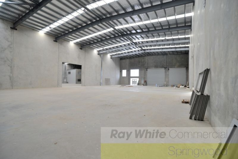High Quality Office/Warehouse Minutes From Mount Lindsay Hwy