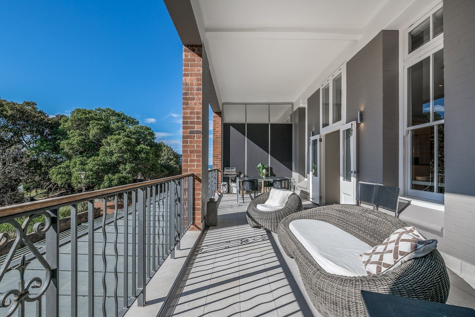 2/21 Pacific Street, Newcastle