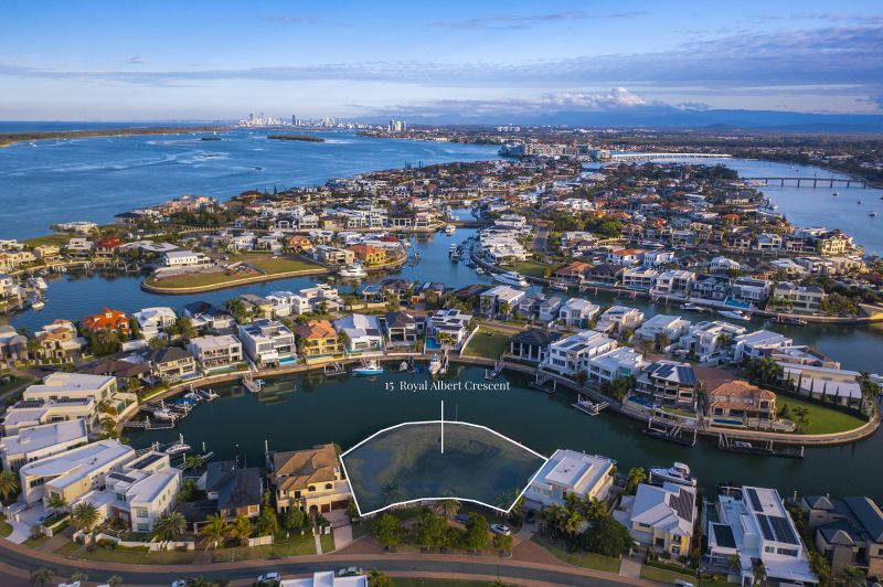 DA Approved Wide Waterfront Block in Prestigious 'Sovereign Islands'