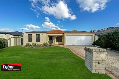 51 Albatross Loop, Bennett Springs