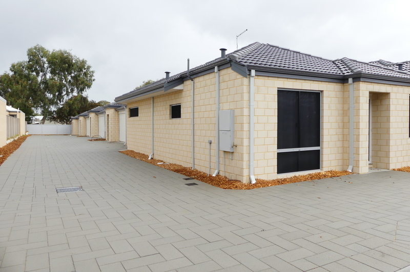 GREAT LOCATION BRAND NEW FAMILY HOME
