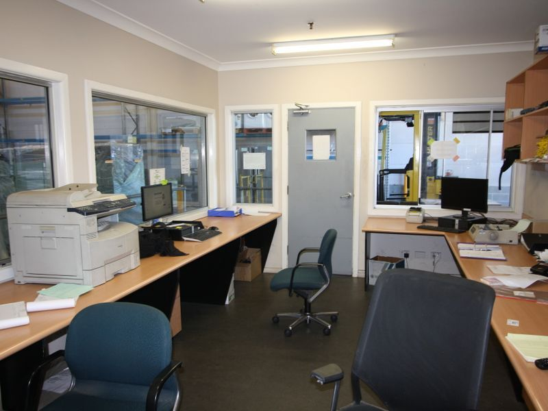 Affordable Office/Warehouse in Alexandria