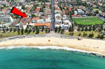 Spacious two bedroom apt, only moments away from Coogee Beach!