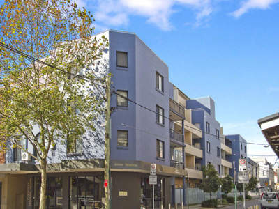 Renovated Modern Apartment with only Minutes Walk to Redfern Station!