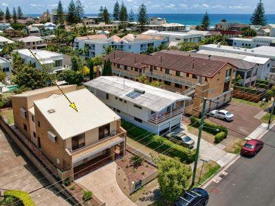 Large Beachside Family Estate