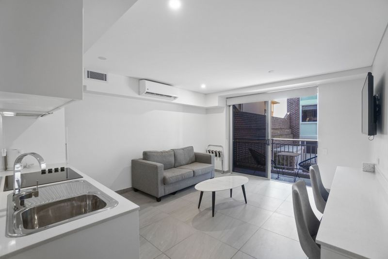 Fully Furnished Contemporary Accommodation With Bills Included