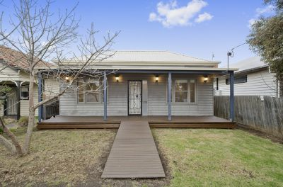 Ready to move in? Recently updated weatherboard home!