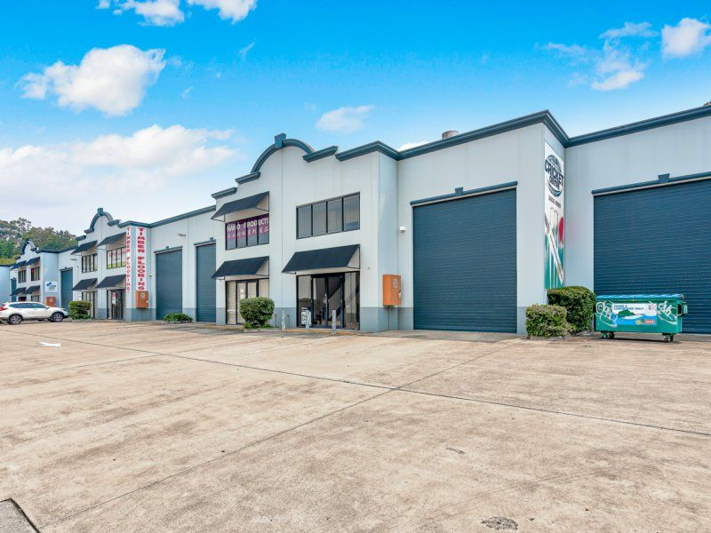 Industrial Warehouse with Office In Busy Complex