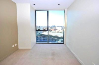 Victoria Point: 26th Floor - Stunning Studio Awaits!