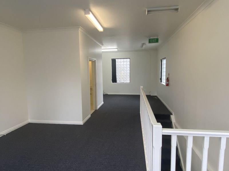 FIRST FLOOR OFFICE OPP CARNEGIE STATION – NEW CARPETS AND FRESHLY PAINTED!