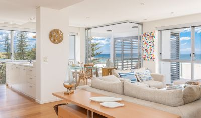 BURLEIGH BEACHFRONT BLISS FROM FULL-FLOOR APARTMENT