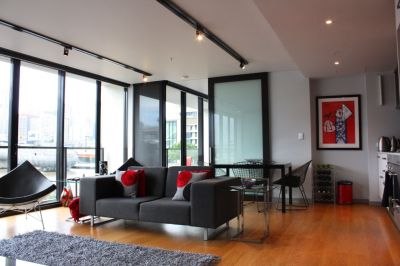 Perfectly positioned fully furnished apartment with tranquil marina views