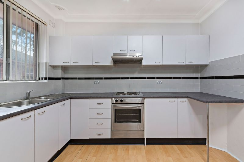 DELIGHTFUL APARTMENT! - MOVE IN NOW!
