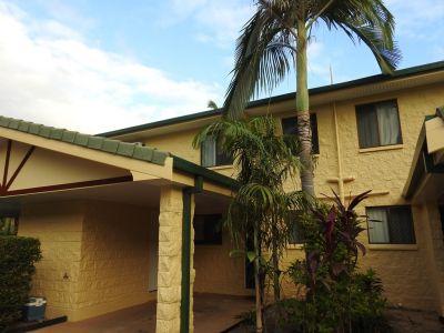 Air Conditioned Townhouse - Stones Throw to Jezzine Barracks