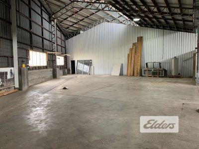 RARE CENTRAL GABBA WAREHOUSE/OFFICE WITH PARKING!