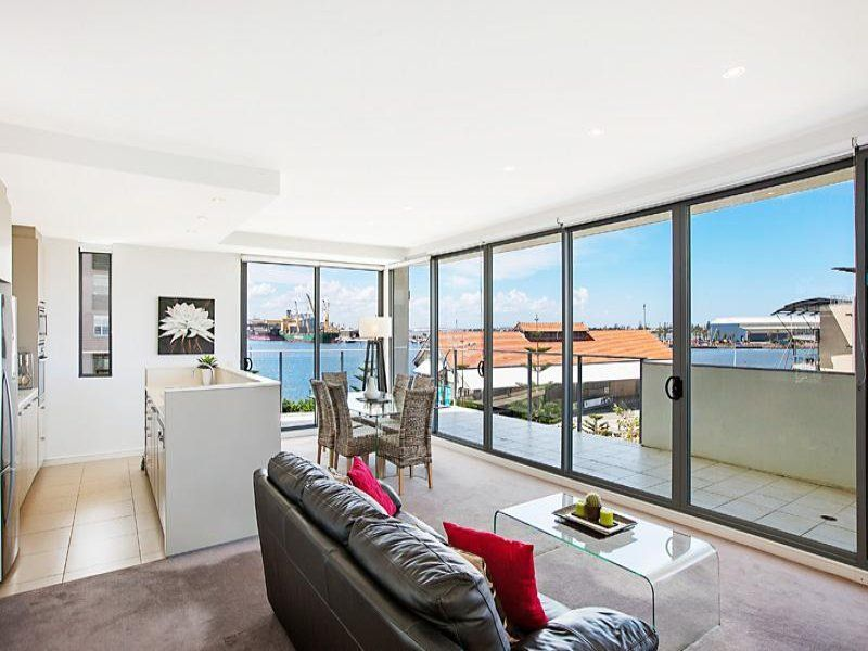 303/2 Honeysuckle Drive, Newcastle