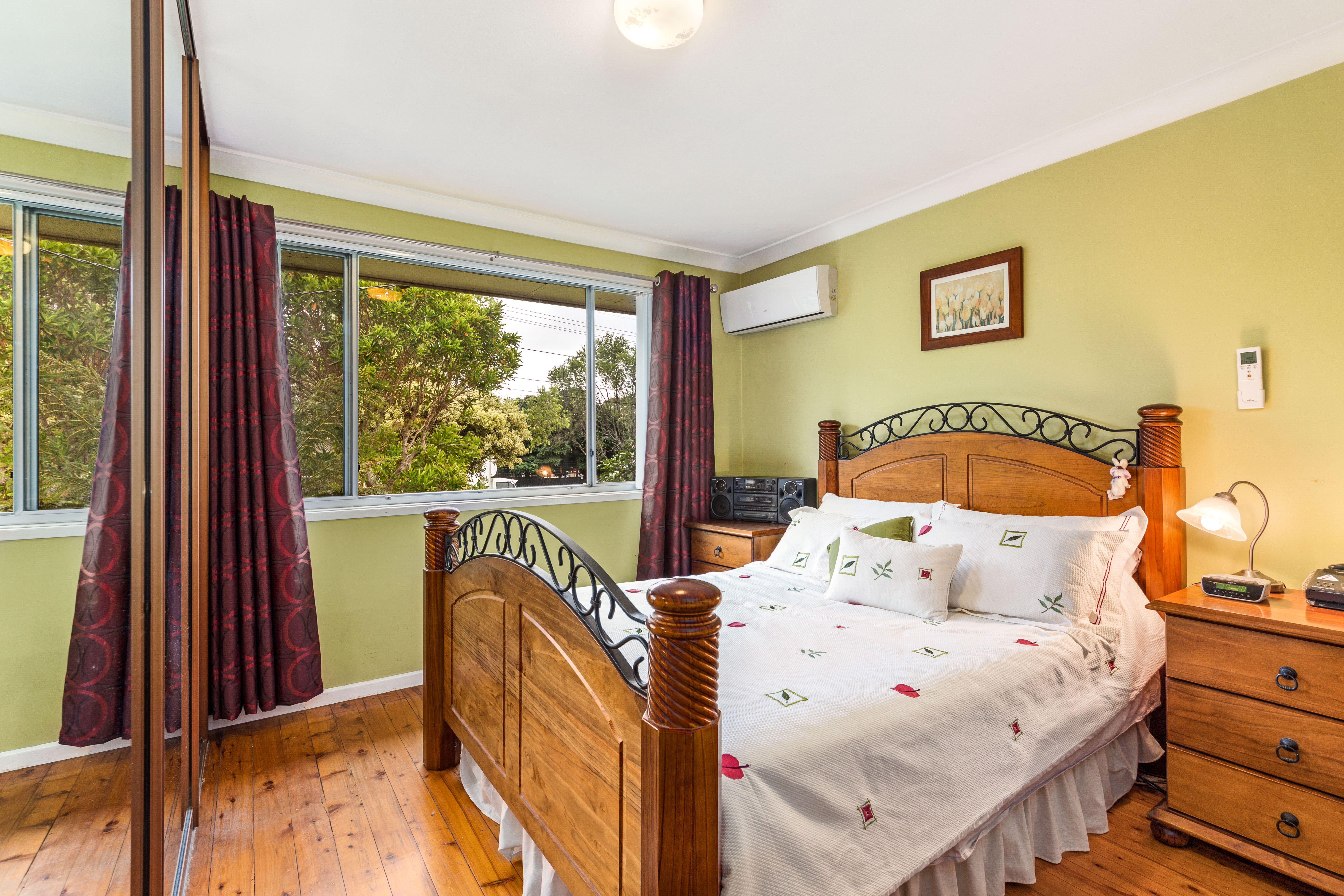 61 Jacaranda Drive, Georges Hall NSW 2198