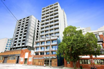 Flagstaff Place: One Bedroom Apartment plus Study with Fabulous Building Facilities and Unbeatable Location!