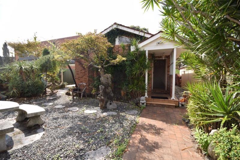 2 Bedroom Garden Flat. Great Location!!!