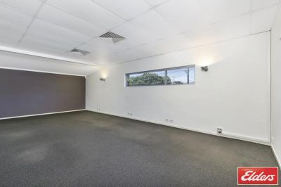 LANDMARK CORNER IPSWICH ROAD POSITION! - SALE/LEASE OPPORTUNITY