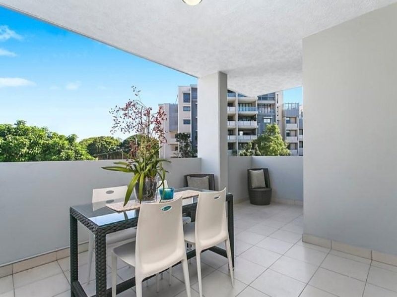 Convenient and spacious apartment near South Bank