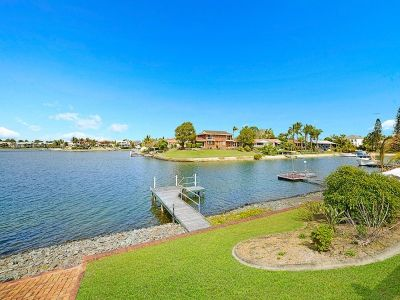Fantastic Wide Waterfront Outlook