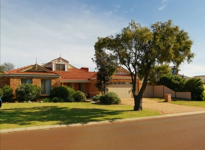 Elegant 5 bedroom Currambine Masterpiece with Swimming Pool