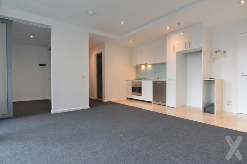 PRIVATE INSPECTION AVAILABLE - BEAMING WITH NATURAL LIGHT A VIEW & A CARPARK!