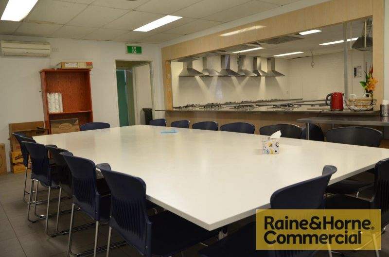 Economical Office or Work Area in Central Woolloongabba