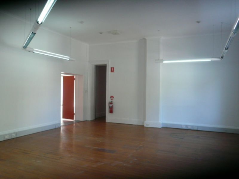 COMMERCIAL SPACE WITH ATTIC