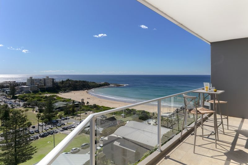 Superb Top Floor Apartment - Only 7 steps to Northern surf and panoramic views