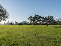 2 BEDROOM APARTMENT STONES THROW FROM THE SWAN RIVER!