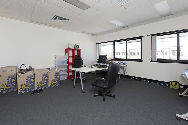 Modern offices for only $125/m2 including outgoings