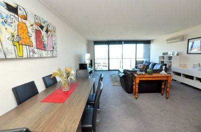 Victoria Tower: 23rd Floor - Stunning Three Bedroom Home!