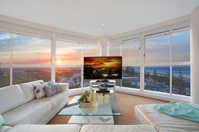 Luxurious, stylish & a perfectly located sub penthouse!