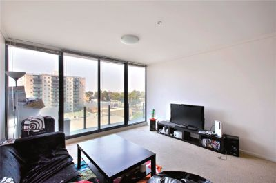 Capri: 7th Floor - Vogue South Melbourne Living!