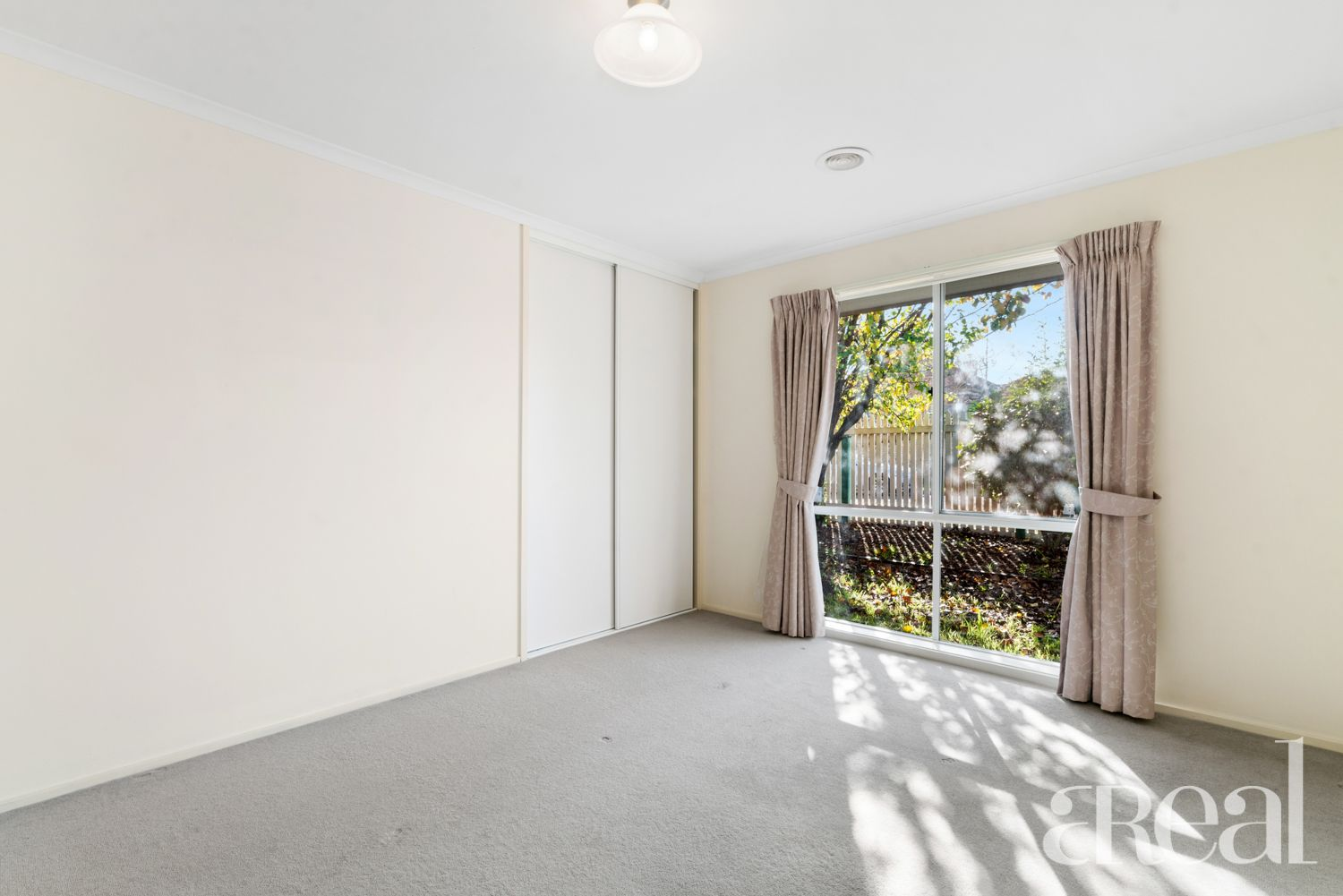 2/16 McGuinness Road, Bentleigh East VIC
