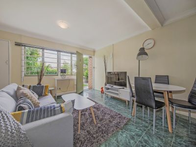 Fully Furnished 2 Bedroom Unit - Coorparoo's Newest!